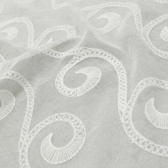 Вуаль Белая с Объемной вышивкой узоры