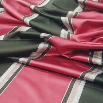 Ткань атлас с розовыми полосами