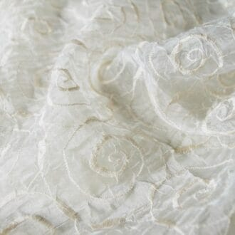 Органза-жатка с молочной вышивкой